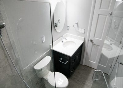 Glassy and Quite White Colored Bathroom Modeling