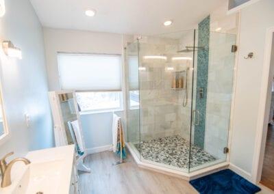 Glossy Bathroom Remodeling