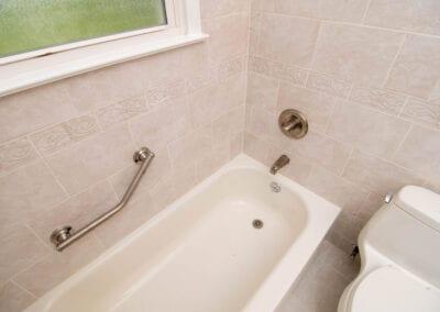 Simple Designed Bath Tub Modelin